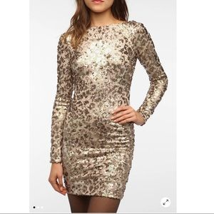 Dress the Population- Lola sequinned Bodycon dress